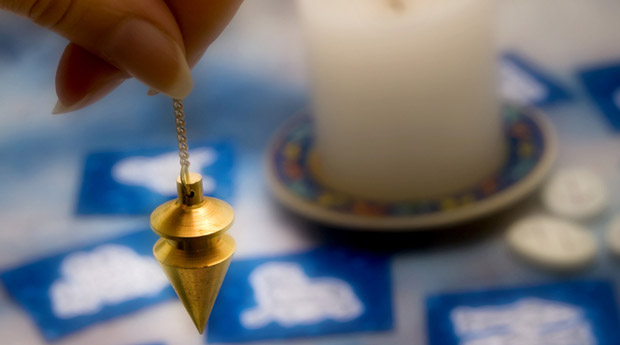 Proper divination with the help of a pendulum and spirits | s-su pw