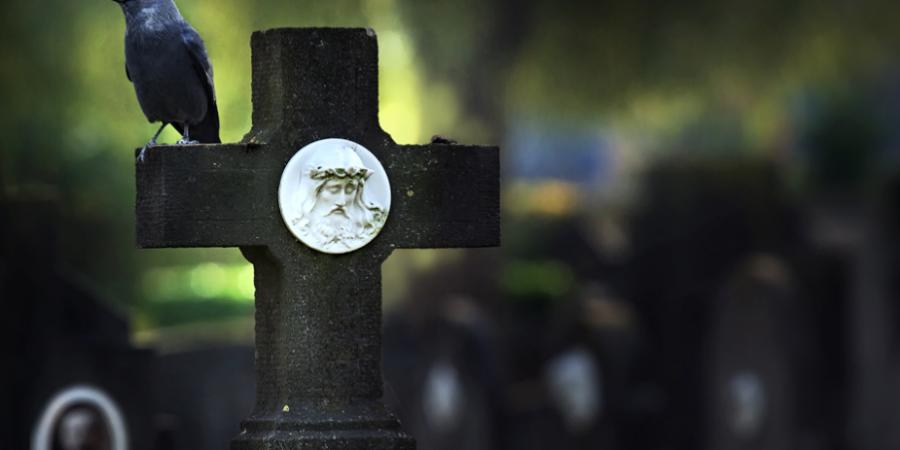 Приметы про кладбище